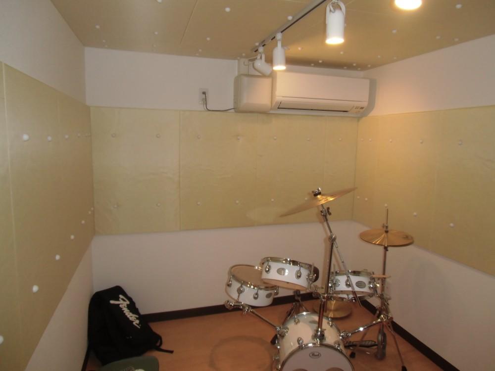 マンション内のドラム室防音施工と吸音材取り付け工事@東京