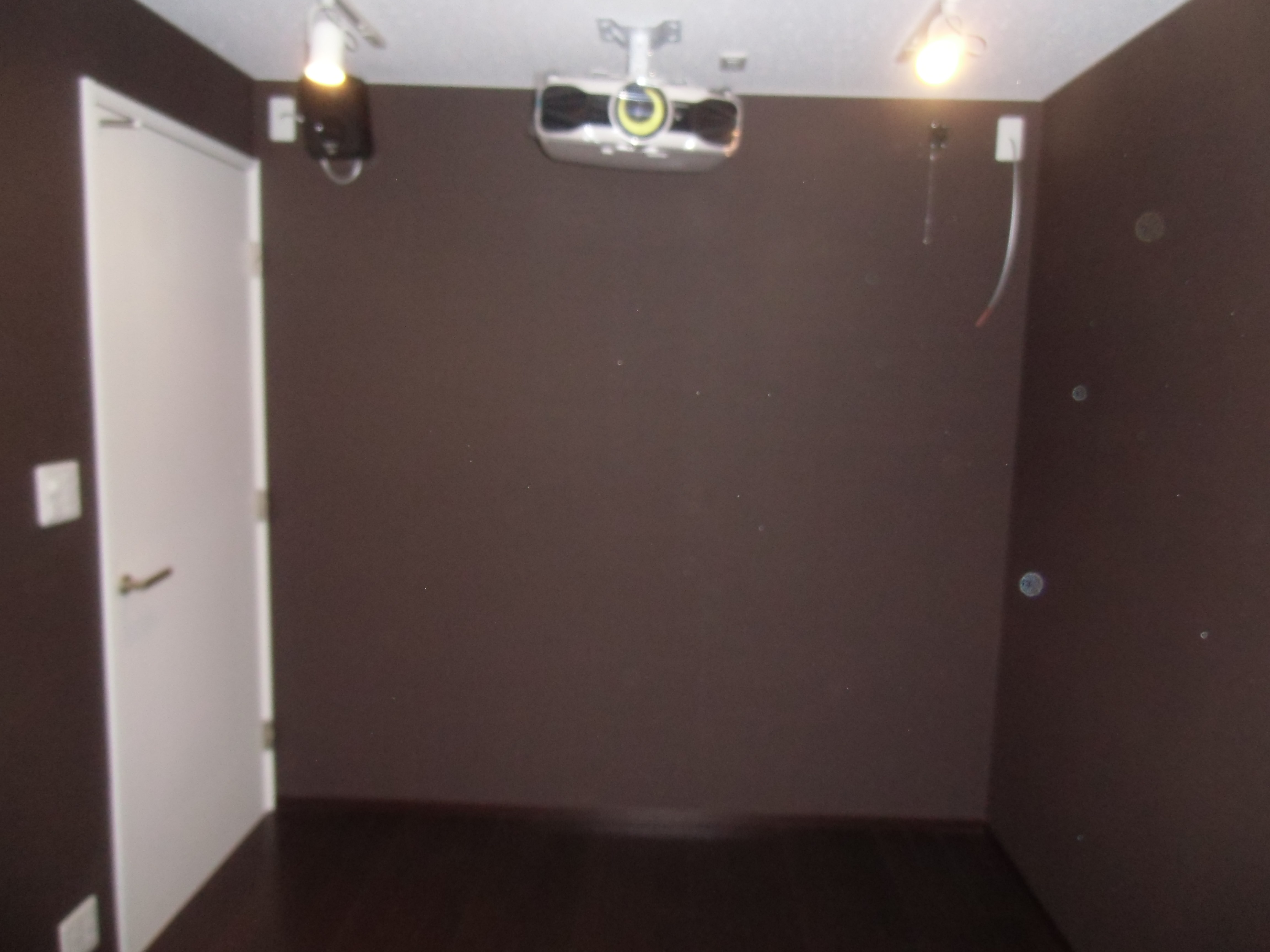 Precautions for soundproof room construction for home theater